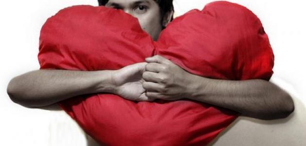 صورة ما شعور الرجل عندما يحب , تصرفات تظهر بان ذلك الرجل يعشقك
