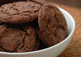 صورة طريقة عمل كوكيز الشوكولاته , ابدعي في مطبخك باحلي وصفة كوكيز شيكولاتة