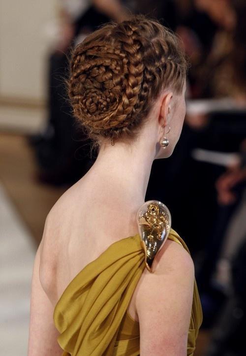 صورة تسريحات شعر جديده للزواجات , تالقي في يوم زفافك بتسريحة شعر تعجب الجميع