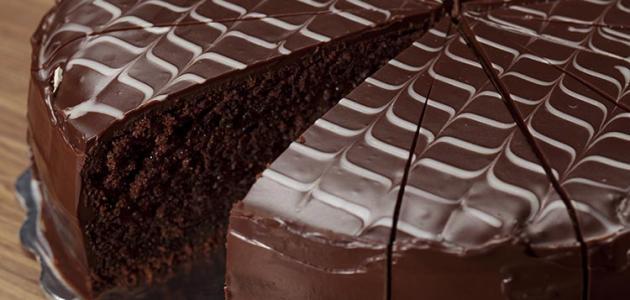 صورة طريقة تحضير الكيك بالشوكولاته , تخطيط الكيك لجعلها اجمل حلوى