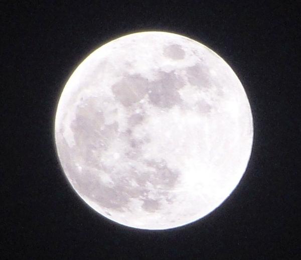 صورة اكتمال القمر , مراحل تحول الهلال لقمر مضيء مكتمل