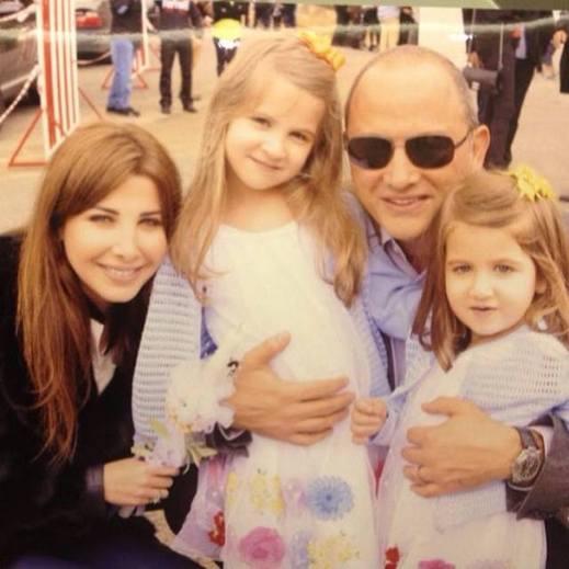 صورة نانسي عجرم وبناتها , صور عائلة نانسي عجرم وجمالها dc75e03d635f40892e8848cdc1dc9d1c