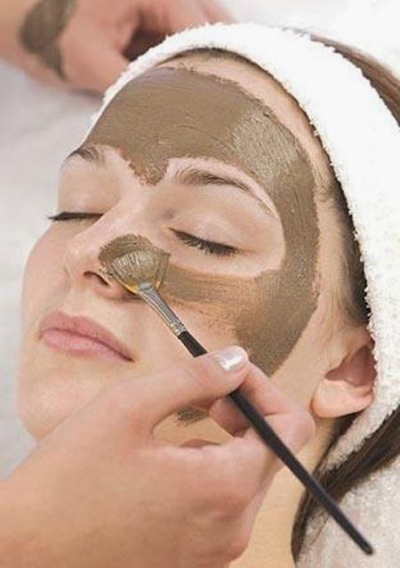 صورة طين البحر الميت للجسم , علاج البشرة والجسم بستخدام طين البحر