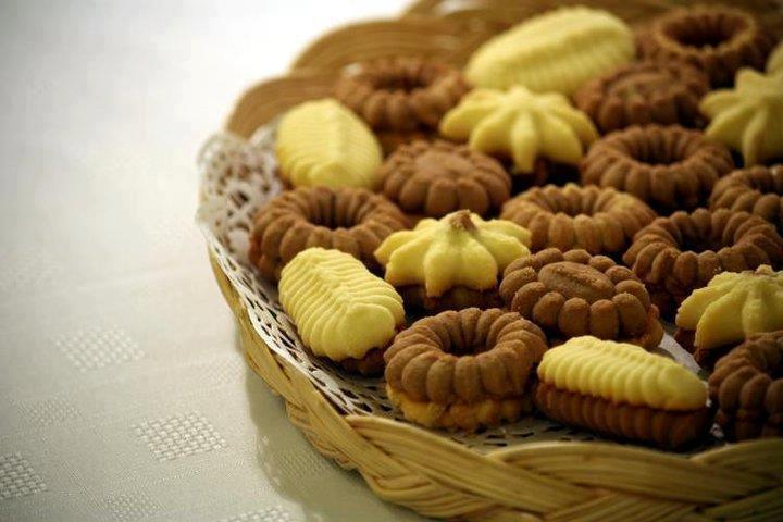 صورة طريقة عمل بيتي فور هش , حلويات العيد بالصور بني وبيج