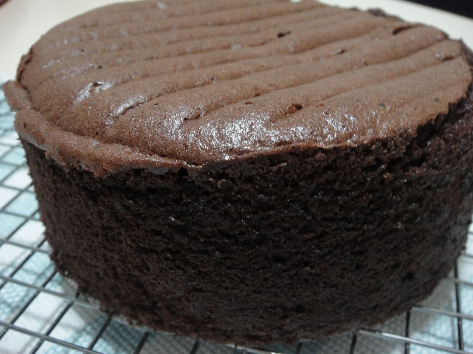 صورة طريقة عمل الكيكة العادية بالشوكولاته , حضري اسرع كيكة على السريع بنكهة الشوكولاتة