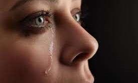 صور تفسير حلم الميت يبكي