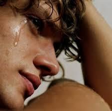صور تفسير حلم البكاء بدون صوت