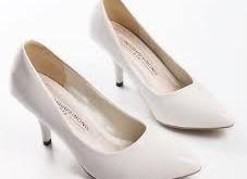 صورة تفسير حلم لبس الحذاء