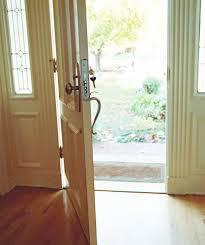 صورة تفسير حلم فتح الباب