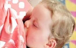 صور تفسير حلم ارضاع طفل , اطعام الصبي في المنام