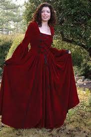 صور تفسير حلم الفستان