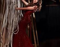 صور تفسير حلم الفستان الاحمر