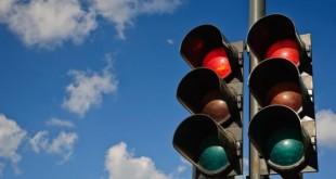 صورة درس اشارات المرور , متى ظهرت اشارات المرور و اهميتها