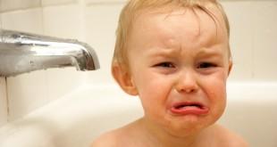 صورة بكاء الرضيع , الطفل يبكي بدون امه