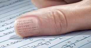 صورة كيفية الغش في الامتحان , اساليب زكية للغش من الورق في الاختبارات