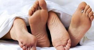 صورة كيفية اثارة الزوج في الفراش , طريقة اثارة الزواج وايصاله الى المتعة الجنسية