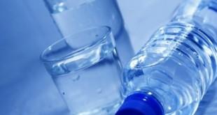 صورة شرب الماء على المعدة الفارغة , فوائد شرب المياه في الصباح على الريق