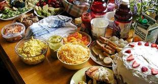 بالصور اكل الطعام في المنام food table 3 310x165
