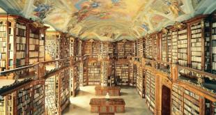 صورة عالم القراءة واسع و معنا سوف تجد الطريق الصحيح له , افضل مكتبة كتب