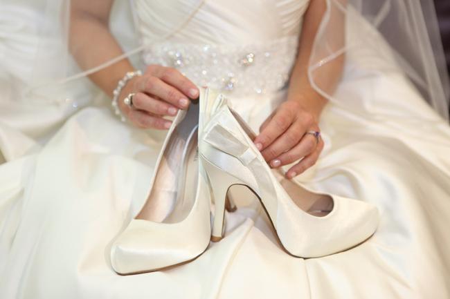 صورة الحذاء الابيض في المنام ابن سيرين , دلالات علي تفسير الرؤيا
