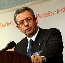صورة تعريف الكاتب مصطفى البرغوثي , من هو الكاتب مصطفى البرغوثي واهم كتابته