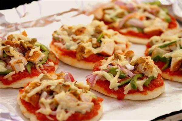 صورة المينى بيتزا , فرحي اولادك باطعم ميني بيتزا في اللانش بوكس للمدرسة