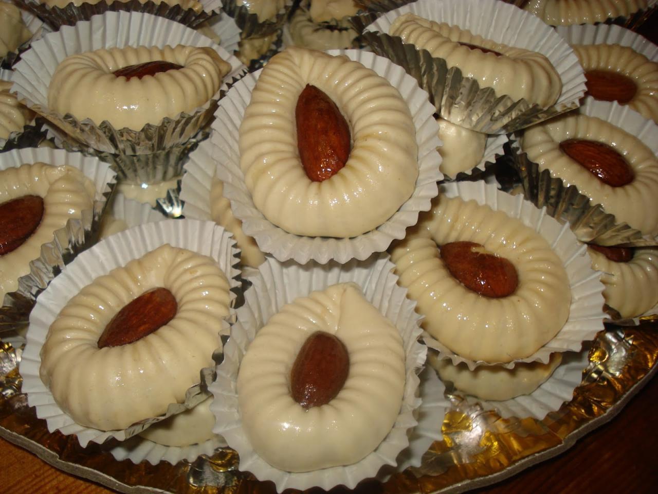 حلويات العيد الجزائرية بالصور والمقادير، تقديم اروع وصفات الحلوى الجزائريه - المنام